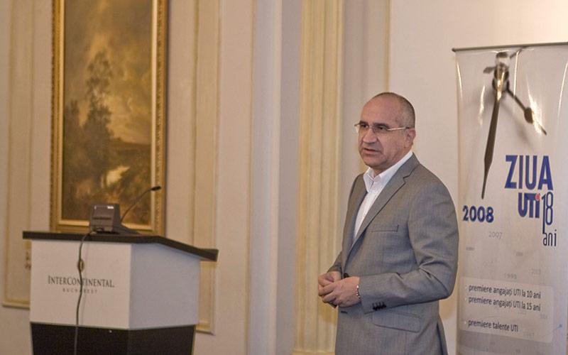 """""""Companiile care îşi vor ajusta strategia vor supravieţui crizei"""", un interviu cu Tiberiu Urdăreanu, preşedintele UTI"""